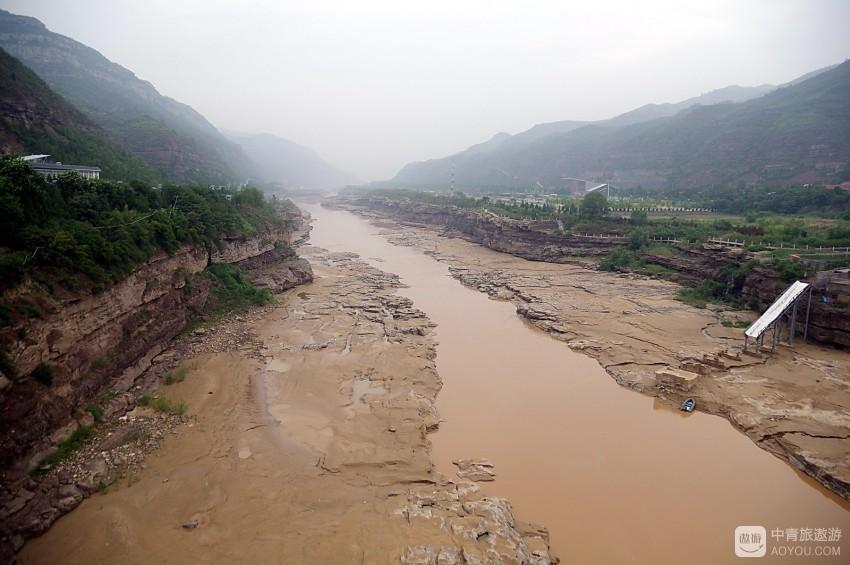 气壮山河的黄河壶口瀑布