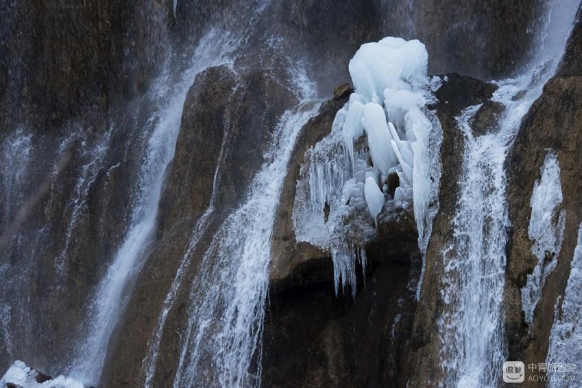 诺日朗瀑布1.jpg