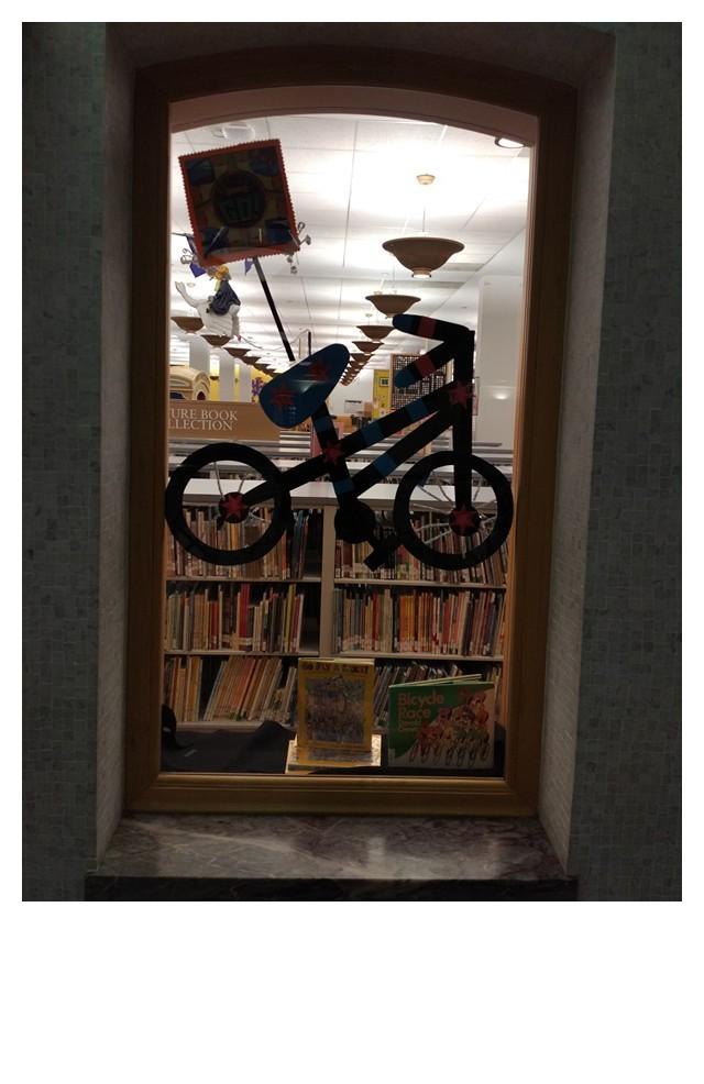 儿童阅览室的橱窗