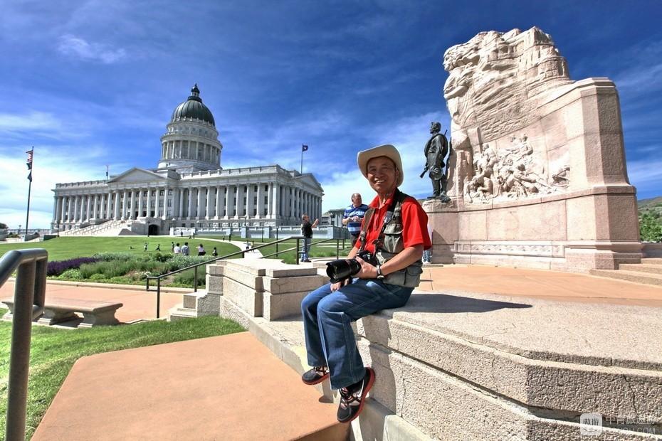 6、我在犹他州议会大厦前。.jpg