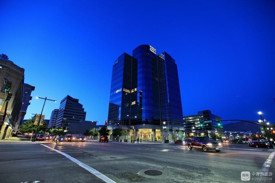 7、夜幕下的盐湖城。.jpg