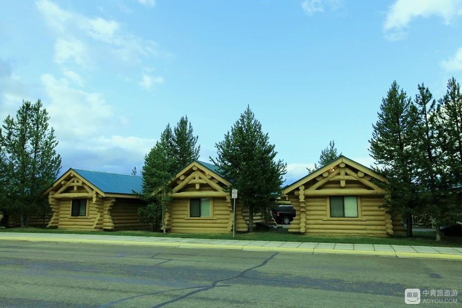 11、黄石镇木屋,木屋是美国最常见的民居。.jpg