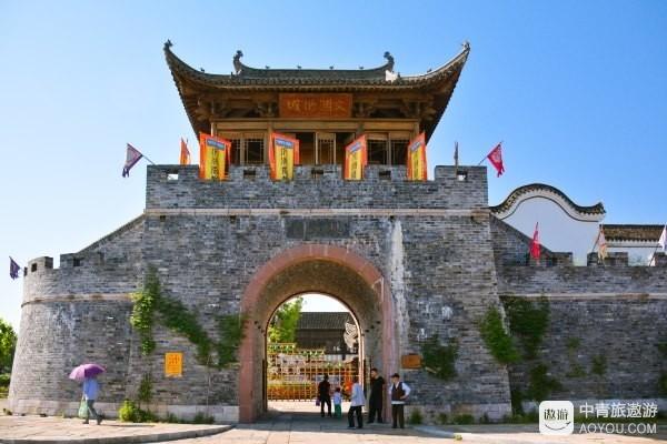 而文渊狮城,位于中国千岛湖最美的湖湾姜家镇.