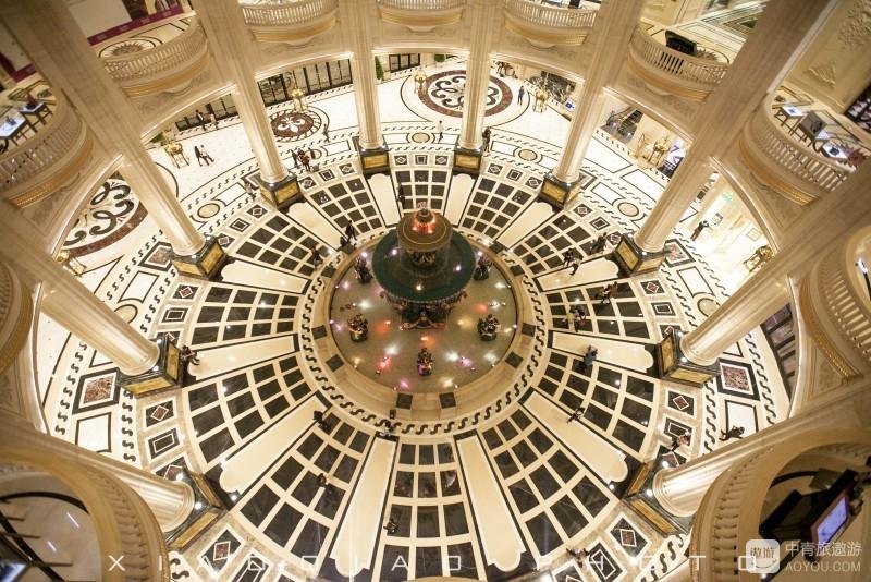 俯瞰正厅喷泉.jpg