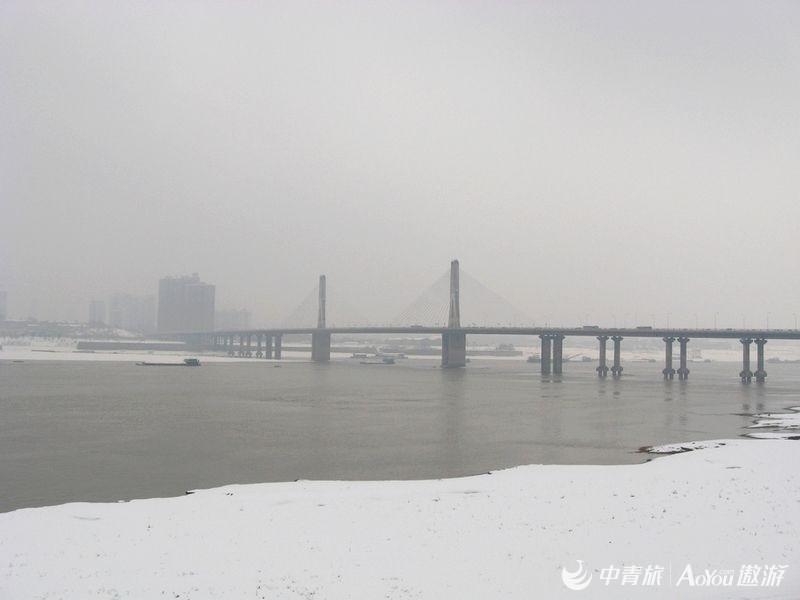 江边雪景.jpg