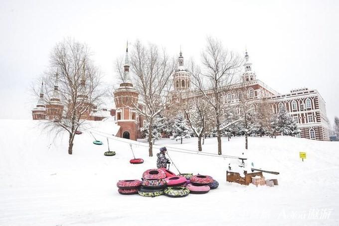《哈尔滨冰雪大世界》 哈尔滨冬记|跨年酷玩,梦幻伏尔...