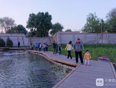 """前门附近新景点#""""水穿街巷""""的三里河水系公园"""