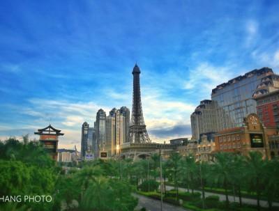 #7月# 光影流转中的文艺赌城,寻找浪漫的巴黎铁塔