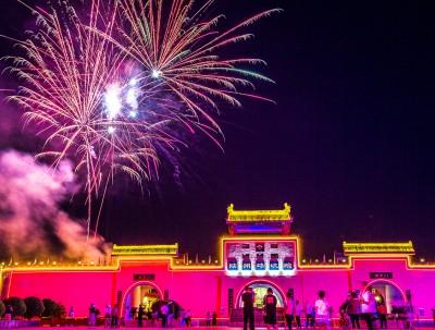 网红千年历史的陕州地坑院,消夏纳凉别样浪漫