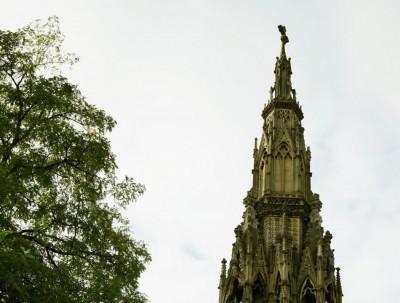 英国游记之四:牛津街头的纪念塔