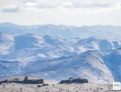 冰川石林:摄影师手被冻僵,在内蒙古零下20多度拍摄最震...