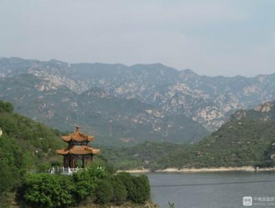 青龙峡:一湖碧水,两岸青山,欢声笑语满山谷的地方