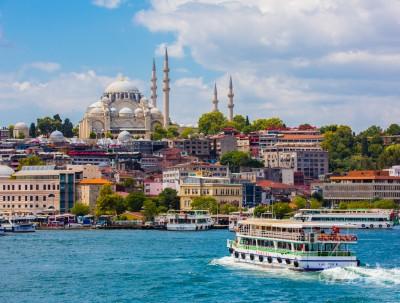 由于伊斯坦布尔海峡太窄,这两个大洲经常打战