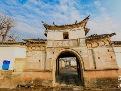 董官村,名气虽然不如和顺古镇,却有悠久的历史和文化