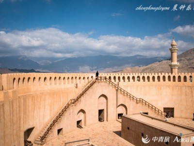 阿曼古城尼兹瓦,看城堡和灌溉系统两项世界遗产