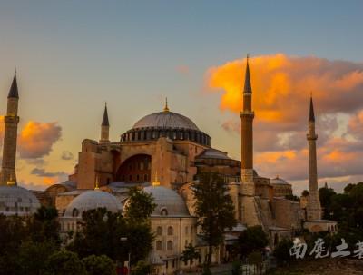 为什么曾经势不两立的教派,在伊斯坦布尔可以和谐共存