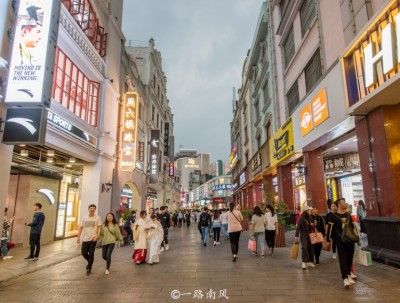 中国最有穿越感的街区,位于广西南宁!