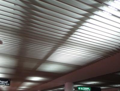素万那普国际机场的全粉色休息区
