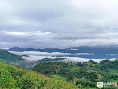 与其说它是中缅交界的小城,不如说它是云雾缭绕的仙境