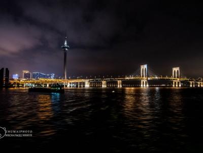 假日游踪|船游观灯火长龙,世纪工程-港珠澳大桥!
